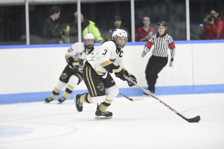 BISONS WOMEN'S HOCKEY TEAM CAPTAIN CAITLIN FYTEN IN ACTION AT THE 2018 U-SPORTS NATIONAL CHAMPIONSHIPS